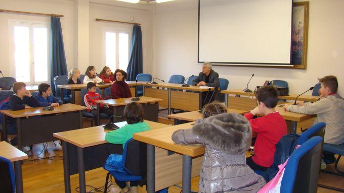 Πρέβεζα: Μια ξεχωριστή επίσκεψη από τα παιδιά του 8ου Δημοτικού Σχολείου στον Δήμαρχο Πρέβεζας